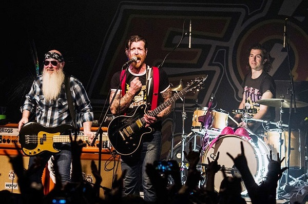 Eagles of Death Metal, stop al tour europeo: annullate le date italiane