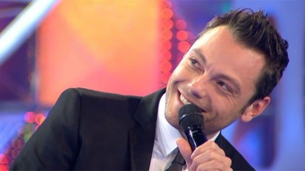 Tiziano Ferro per Save the Children, all'asta come un oggetto