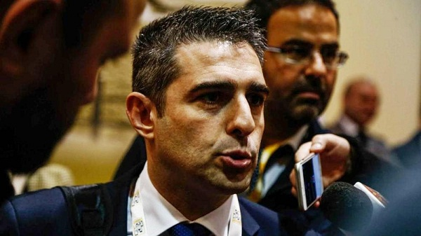 Movimento 5 Stelle, Pizzarotti vs Di Maio: