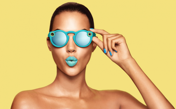 Spectacles, smart glasses per gli occhiali col video di Snapchat