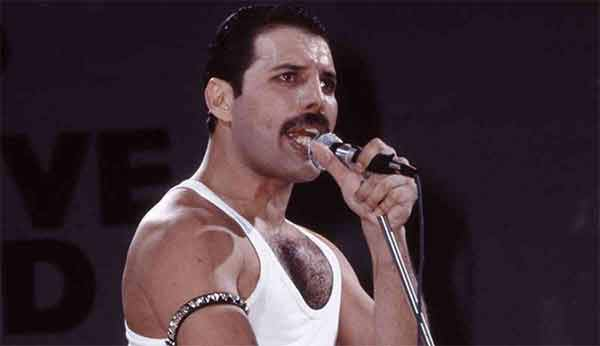 We Are The Champions, Freddie Mercury canta da solo