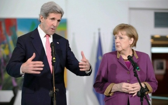 Merkel e Kerry mettono in guardia Erodgan