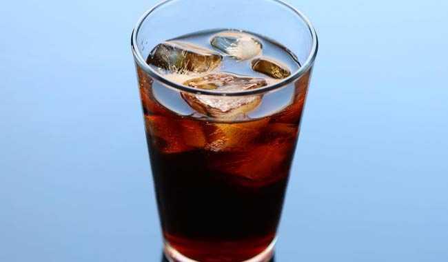 Verme nella lattina di Coca Cola lo scopre un ragazzino