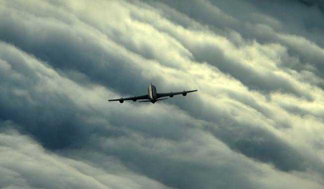 Tempesta di fulmini traffico aereo in tilt nel Regno Unito