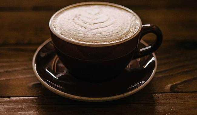 Alzheimer come combatterlo con una tazza di caffe