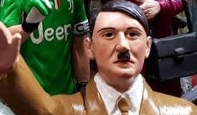 Napoli, Hitler finisce tra le statuine del presepe