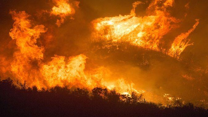Sarno, l'incendio doloso provocato da due giovanissimi piromani
