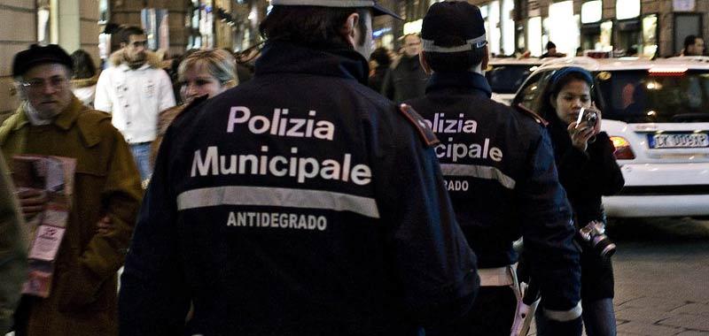 Firenze maxi blitz per fermare il racket dei parcheggi abusivi