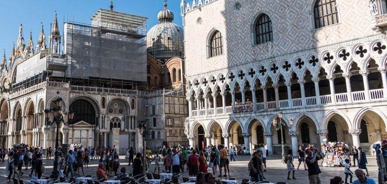 A giugno le presenze turistiche sono crollate dell'80 per cento