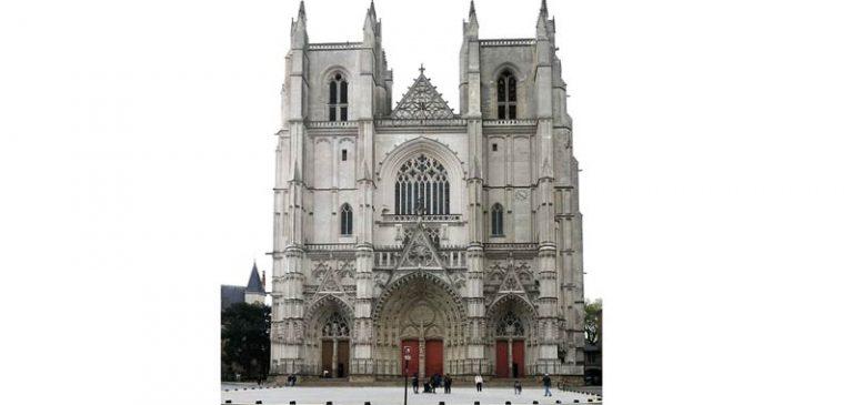 Nantes, l'incendio nella Cattedrale ha un responsabile