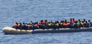 Ocean Viking i 180 migranti andranno in quarantena sulla Moby Zaza