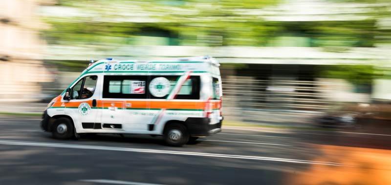 Cuneo incidente auto stronca 5 giovani vite
