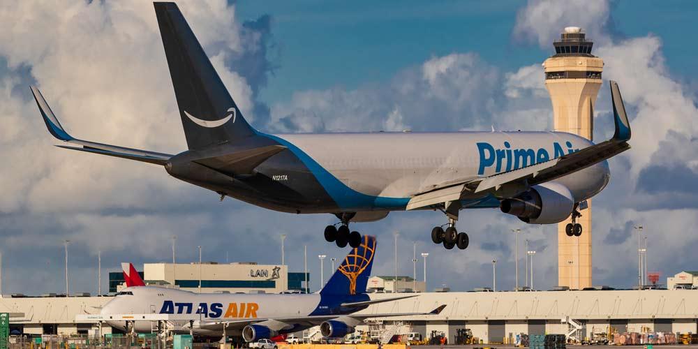Amazon allunga la sua flotta di aerei per le consegne