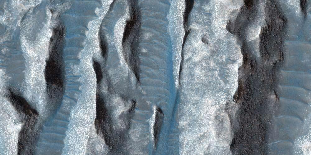 Nasa stupisce con le foto di un enorme canyon