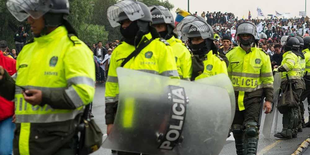 Colombia In migliaia ancora in piazza a protestare