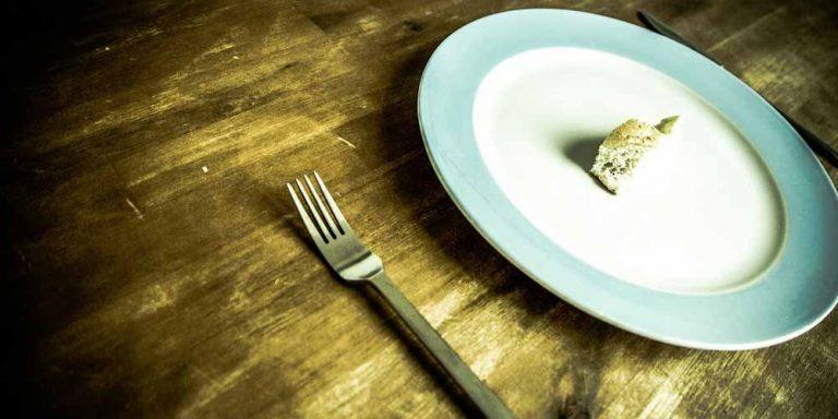 Anoressia, quali sono i primi sintomi da tenere sotto controllo
