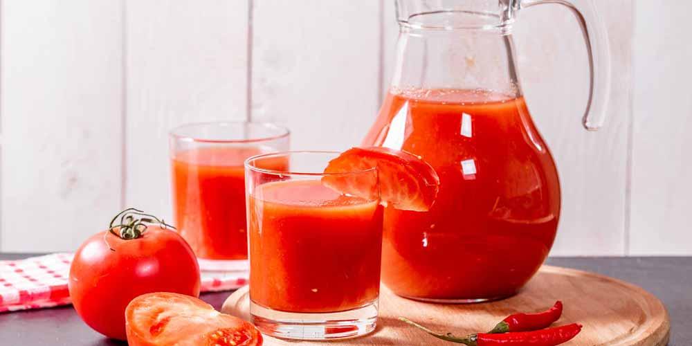 Succo di pomodoro Previene invecchiamento